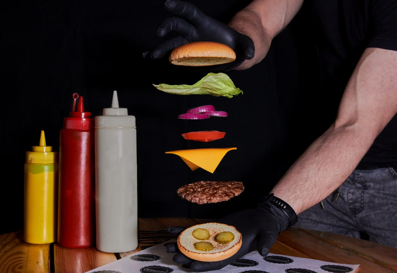 Constructor picture your burger